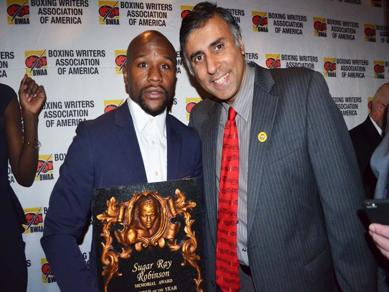 Dr.Abbey Congratulating Boxing Great Floyd Mayweather  on his Award