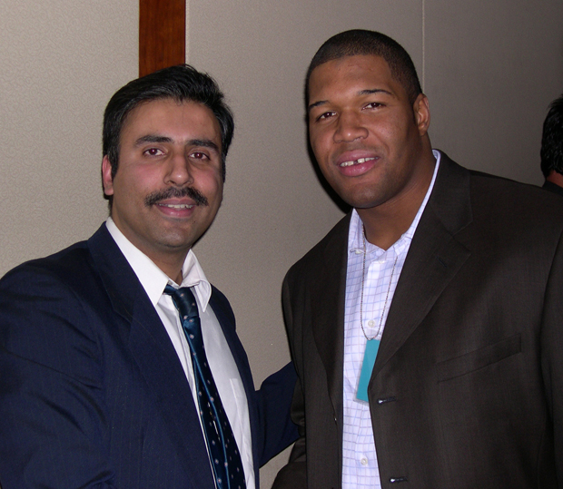 Dr.Abbey with Michael Strahan  Giants Player 2007