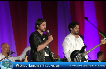 Juanes Singing Time to Change and FIJATE BIEN @ UN World Humanitarian Day-2015